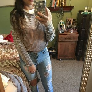 Small gray long sleeve crop top from Zara's